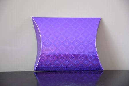 Cadeaudoosje mini, paarse holografische print ruit